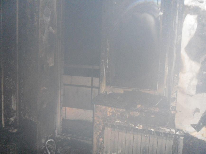 В Днепродзержинске из горящей квартиры спасли двух человек, фото-8