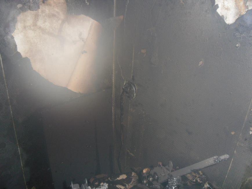 В Днепродзержинске из горящей квартиры спасли двух человек, фото-9