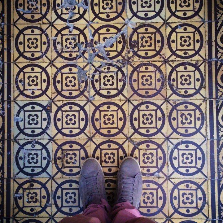 Чернівецький фотограф зібрав колекцію фото старих під'їздів, фото-3