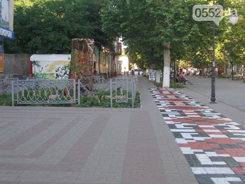 Ещё одна украинская вышиванка в Херсоне (фото) - фото 4