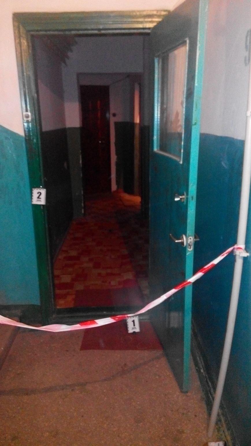 В Сумах зарезали мужчину в его же квартире (фото) - фото 1