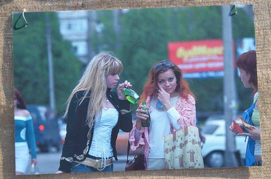 В Запорожье на фотовыставке «Спасем убитый город» подняли тему алкоголизма (ФОТО), фото-6