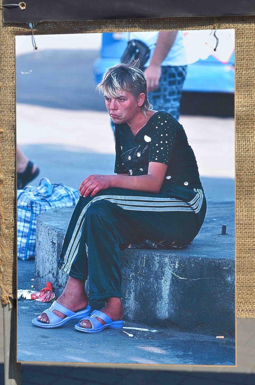 В Запорожье на фотовыставке «Спасем убитый город» подняли тему алкоголизма (ФОТО), фото-2