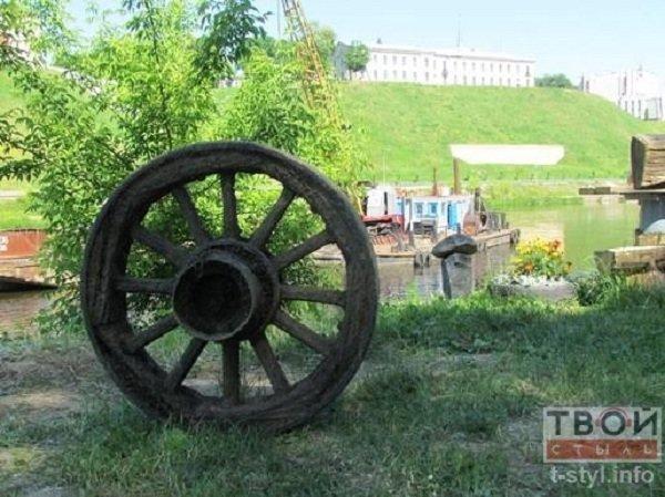 Фотофакт: в центре Гродно начались работы по очистке Немана (фото) - фото 6