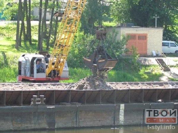 Фотофакт: в центре Гродно начались работы по очистке Немана (фото) - фото 2