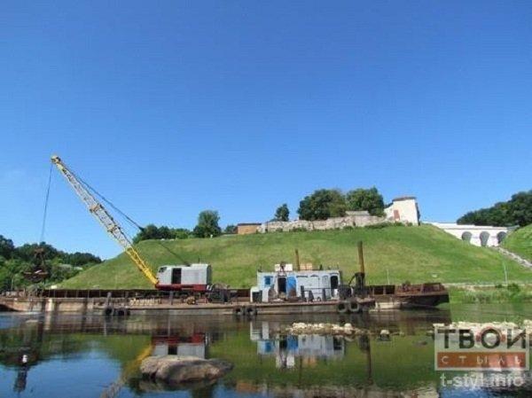 Фотофакт: в центре Гродно начались работы по очистке Немана (фото) - фото 4