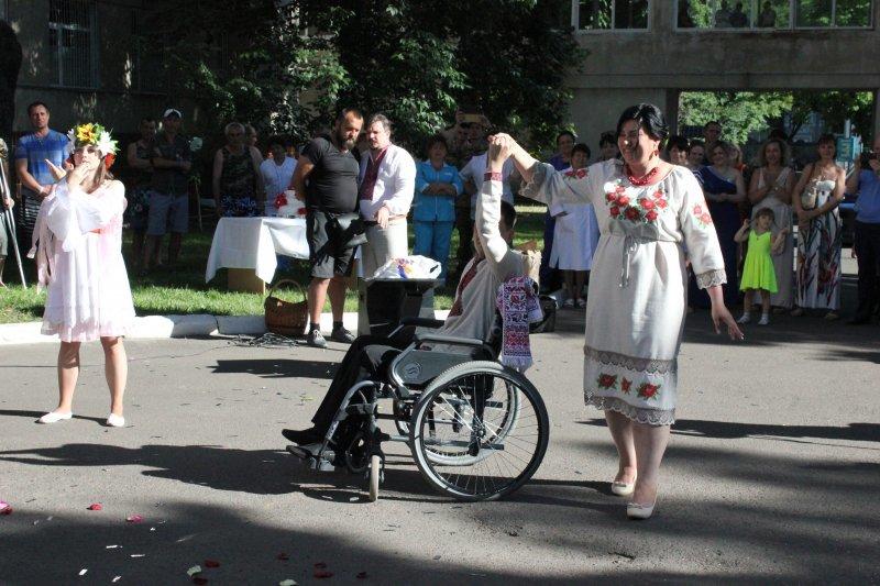 Олег Филимонов гулял на свадьбе раненого бойца АТО (ФОТО) (фото) - фото 1