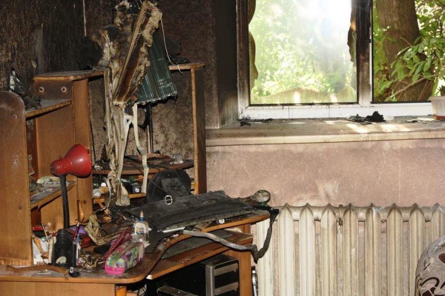 В центре Запорожья на масштабном пожаре спасатели эвакуировали 21 человека (ФОТО), фото-3
