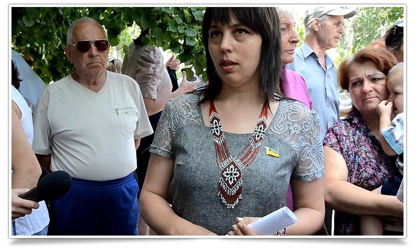 Как в Славянске депутаты  ВР бегают от людей (фото) - фото 2