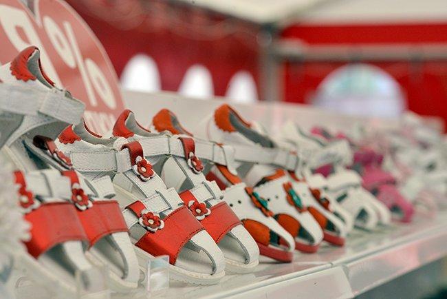 Фотофакт. Гомельская торговля пытается утереть нос любителям черниговских базаров (фото) - фото 6