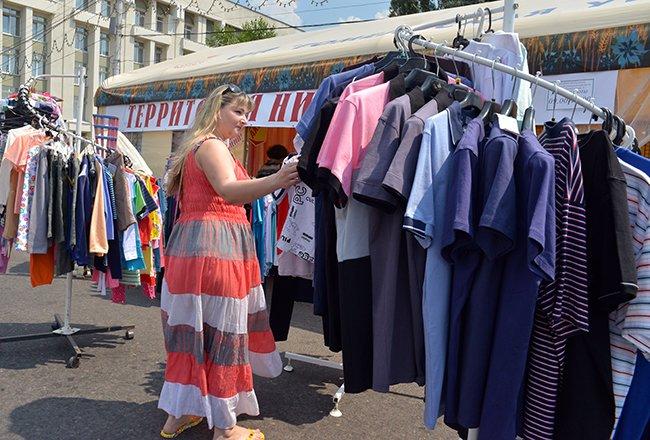 Фотофакт. Гомельская торговля пытается утереть нос любителям черниговских базаров (фото) - фото 3