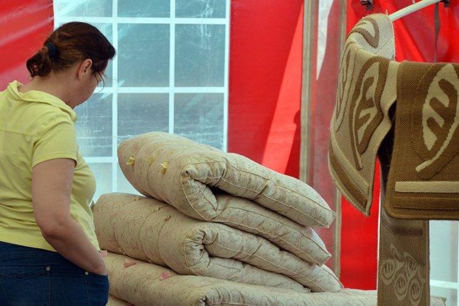 Фотофакт. Гомельская торговля пытается утереть нос любителям черниговских базаров (фото) - фото 7