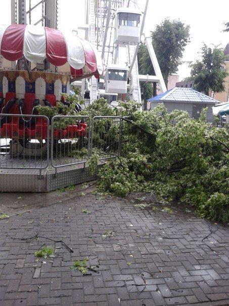 Фотофакт: в воскресенье Гомель «накрыло» дождем → http://odsgomel.org/rus/news/gomel/57315/ (фото) - фото 23