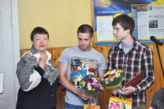 В Днепропетровской области для воинов АТО сдали почти 3 тысячи литров крови, фото-1