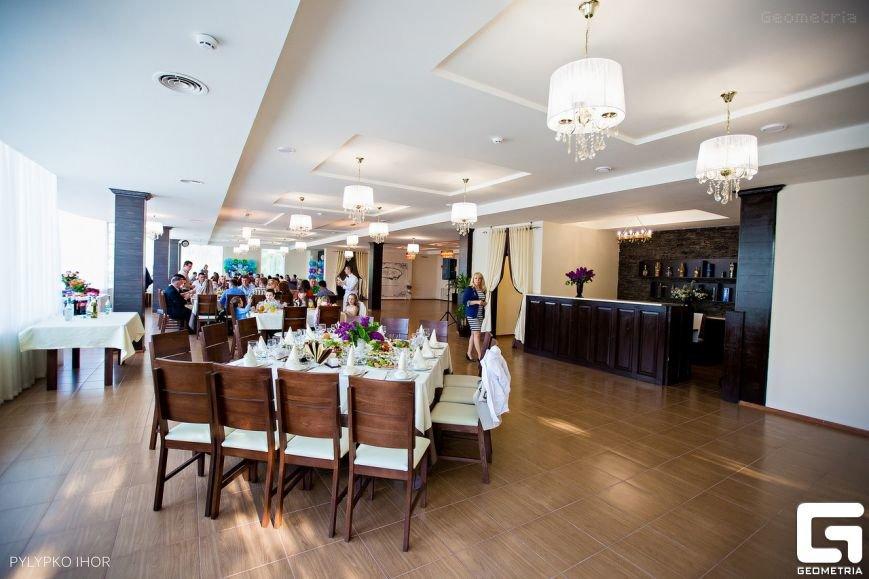 Наш двір - ресторан, де відпочивають батьки і діти (фото) - фото 2