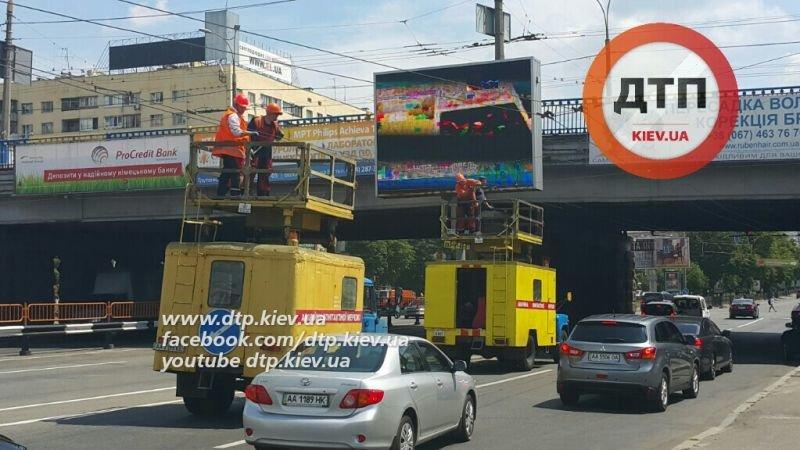 Затор из троллейбусов был спровоцирован грузовиком (ФОТО) (фото) - фото 1