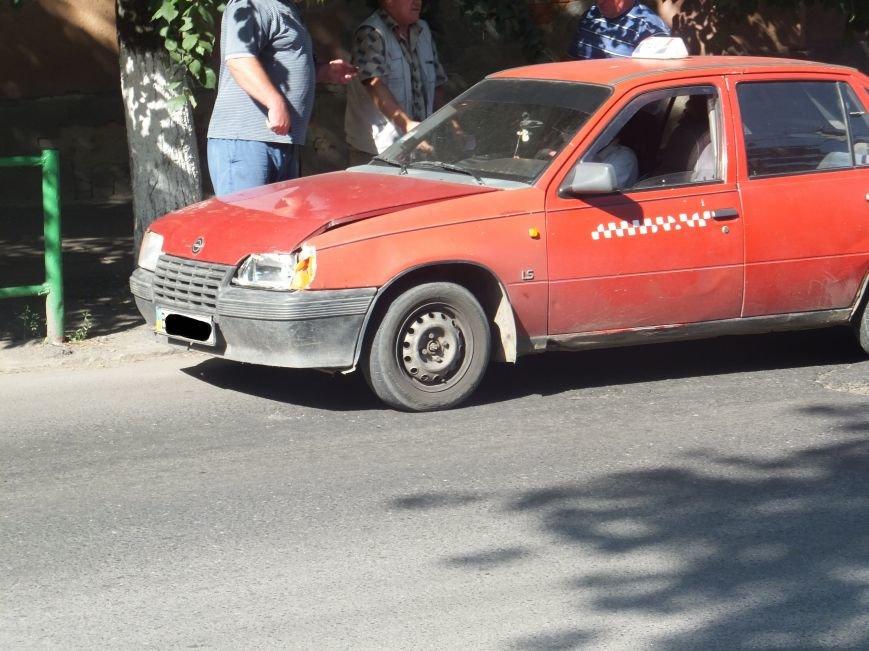 На перекрестке в Кировограде случилась небольшая авария. ФОТО (фото) - фото 1