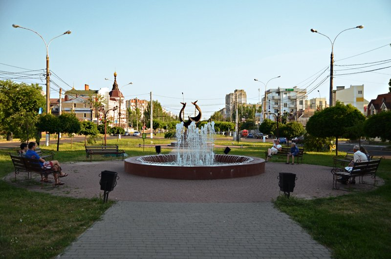 Прохлада по-николаевски: горожане ищут спасения от жары в фонтанах (ФОТОРЕПОРТАЖ), фото-15