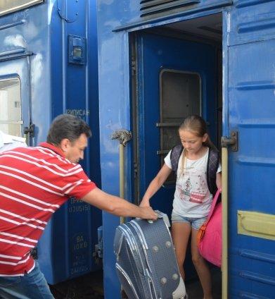 С отдыха в Хорватии на Днепропетровщину вернулись 127 детей переселенцев и участников АТО, фото-1