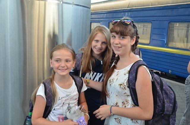 С отдыха в Хорватии на Днепропетровщину вернулись 127 детей переселенцев и участников АТО, фото-2