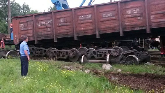 На Львівщині 3 вантажні вагони зійшли з рейок (фото) - фото 5