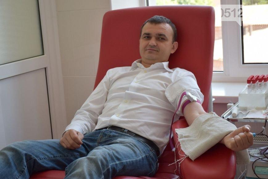 Лидер николаевской оппозиции повел власть на станцию переливания крови (ФОТО) (фото) - фото 5