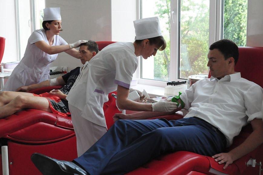 Лидер николаевской оппозиции повел власть на станцию переливания крови (ФОТО), фото-2