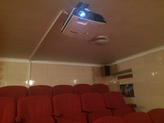 На Самбірщині правоохоронці закрили незаконний 3D кінотеатр (ФОТО) (фото) - фото 1