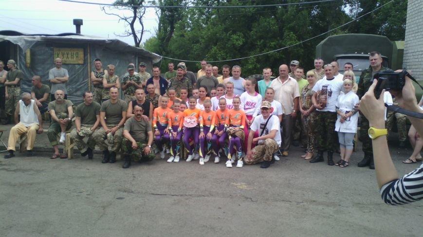 Спортсменки секции спортивной аэробики Красноармейска выступили в 66 военном мобильном госпитале, фото-7