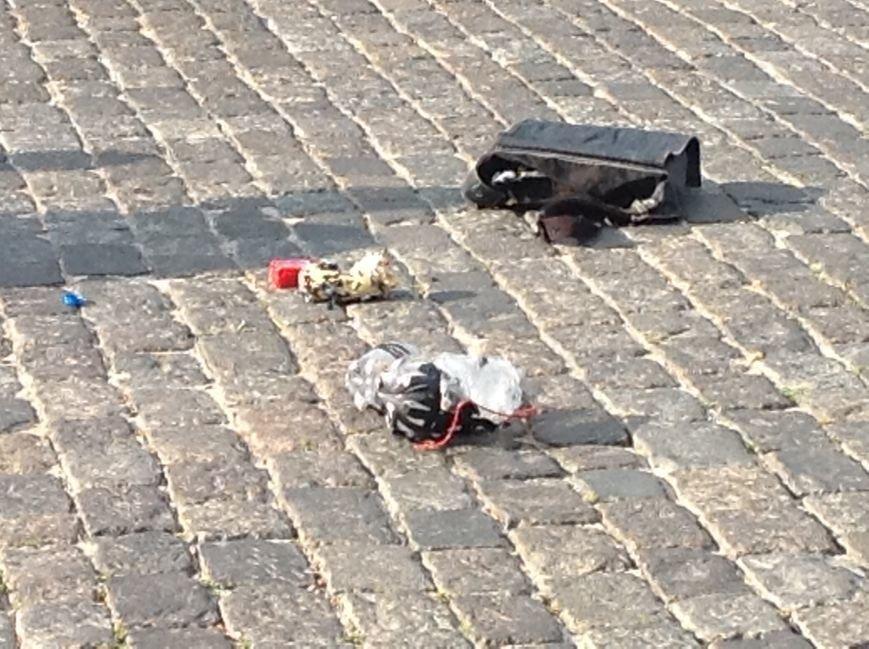 Что нашли вызрывотехники в сумке на площади Свободы: подробности (ФОТОФАКТ), фото-5