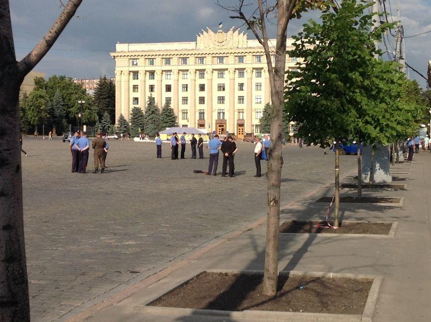 Что нашли вызрывотехники в сумке на площади Свободы: подробности (ФОТОФАКТ), фото-1