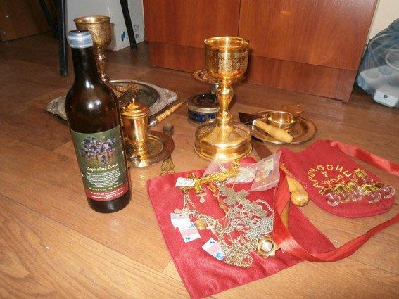 В Николаеве воры вломились в церковь и вынесли иконы (фото) - фото 1