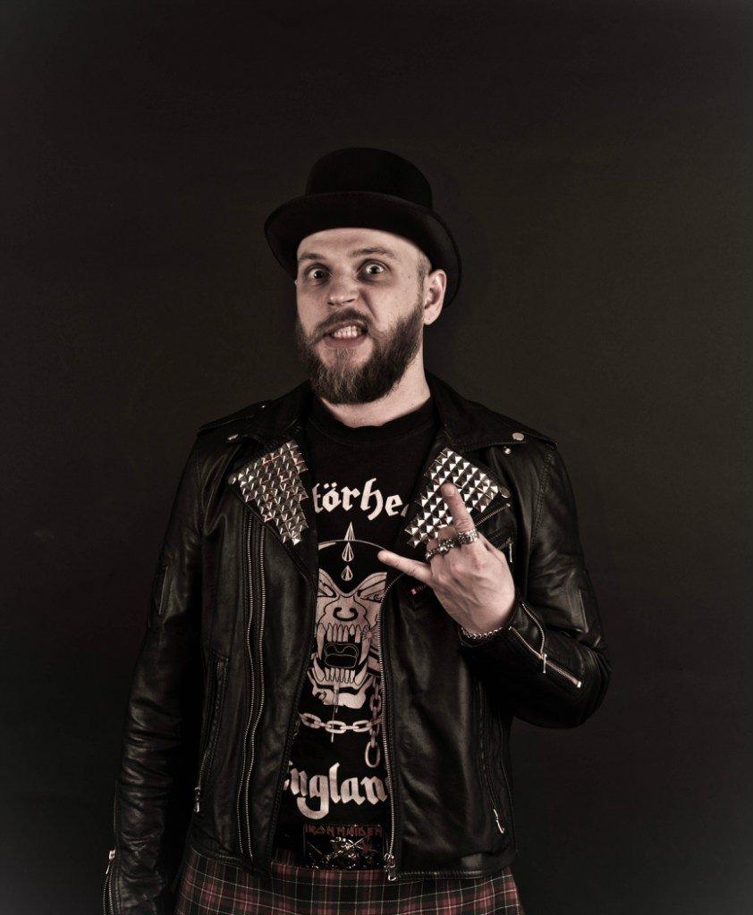 Гомельский рокер Andy Crossroses снял провокационный клип про фитоняшек (фото) - фото 3