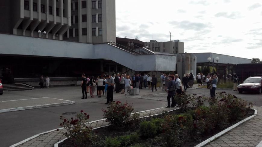 У Львові заблокували будівлю податкової (ФОТО) (фото) - фото 6