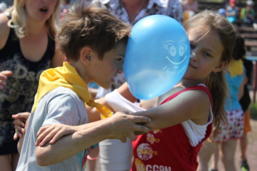Веселые старты: в Димитрове прошел праздник спорта для детей из пришкольных лагерей (ФОТО) (фото) - фото 17