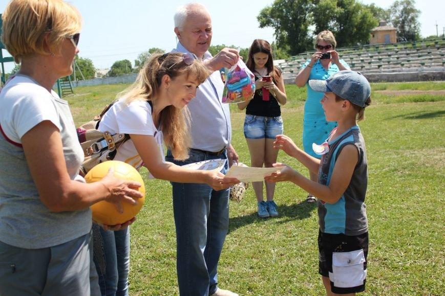 Веселые старты: в Димитрове прошел праздник спорта для детей из пришкольных лагерей (ФОТО) (фото) - фото 20