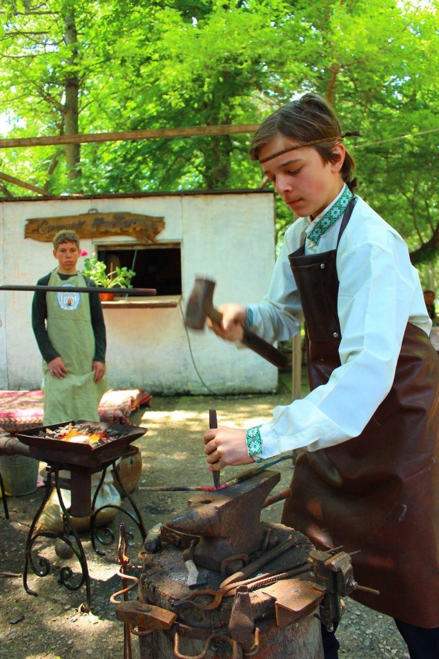 Крымские кузнецы подарили Детскому парку кованый цветник (ФОТО), фото-3