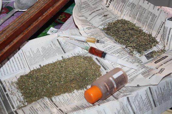 Общественность Кременчуга помогла милиции задержать гражданина, хранившего наркотические средства (ФОТО) (фото) - фото 1