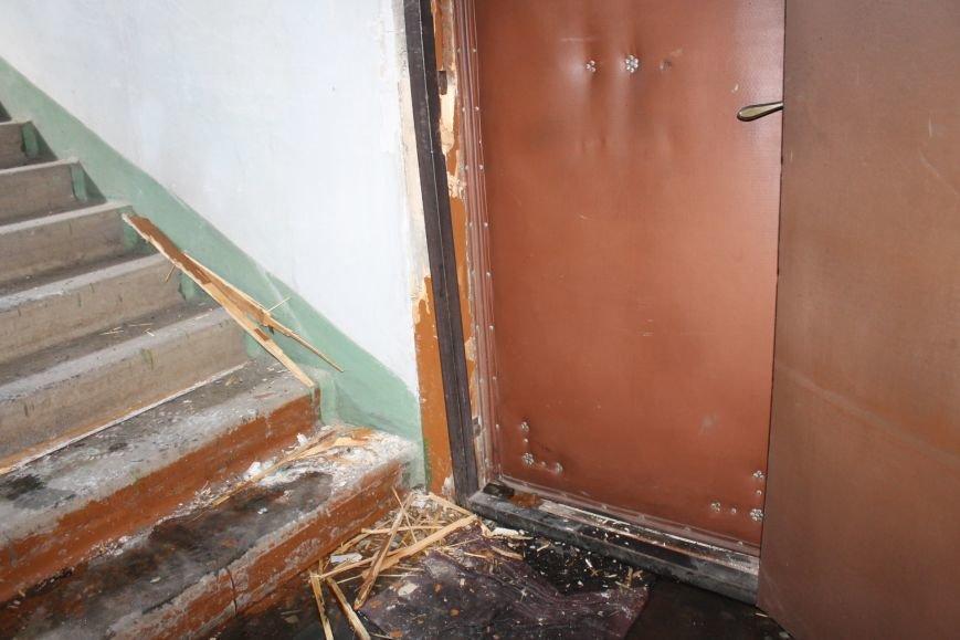 Пока 72-летняя бабушка была на работе, соседи спасали от пожара ее квартиру (ФОТО), фото-1