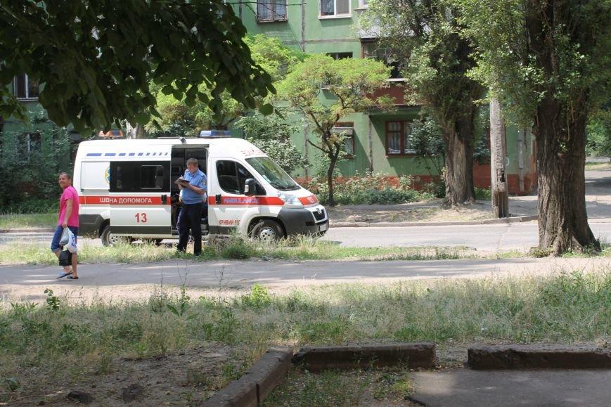Пока 72-летняя бабушка была на работе, соседи спасали от пожара ее квартиру (ФОТО), фото-20