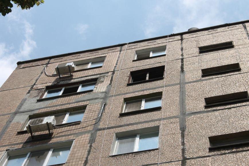 Пока 72-летняя бабушка была на работе, соседи спасали от пожара ее квартиру (ФОТО), фото-18