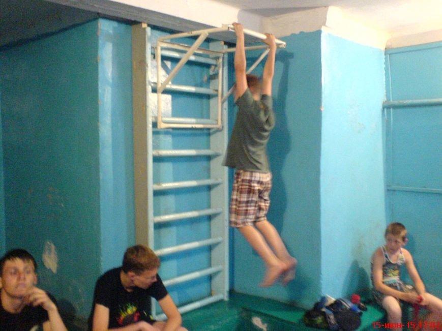 В ДЮСК «Факел» Красноармейска прошли соревнования по силовому многоборью (фото) - фото 1