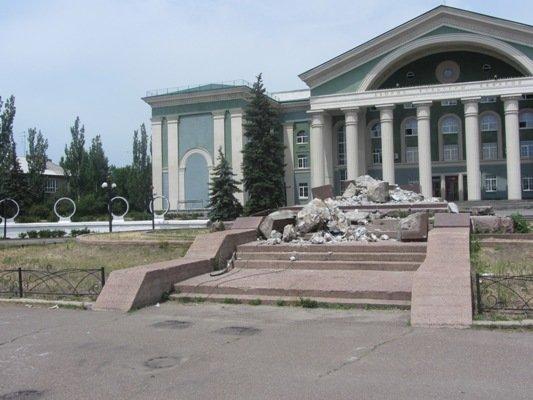 В Северодонецке снесли памятник Ворошилову, фото-1
