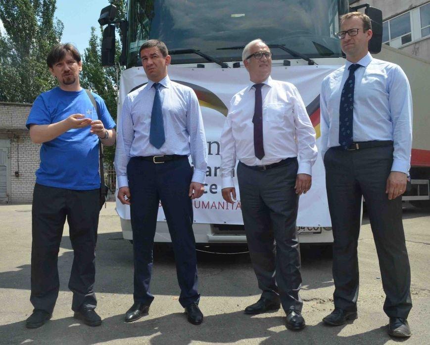 В Запорожье доставили сотни тонн гуманитарного груза из Европы (ФОТОРЕПОРТАЖ), фото-11
