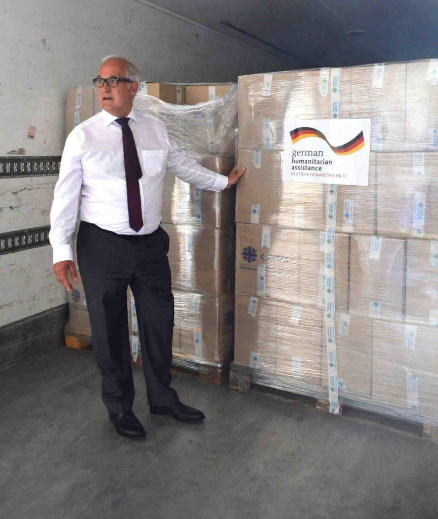 В Запорожье доставили сотни тонн гуманитарного груза из Европы (ФОТОРЕПОРТАЖ), фото-14