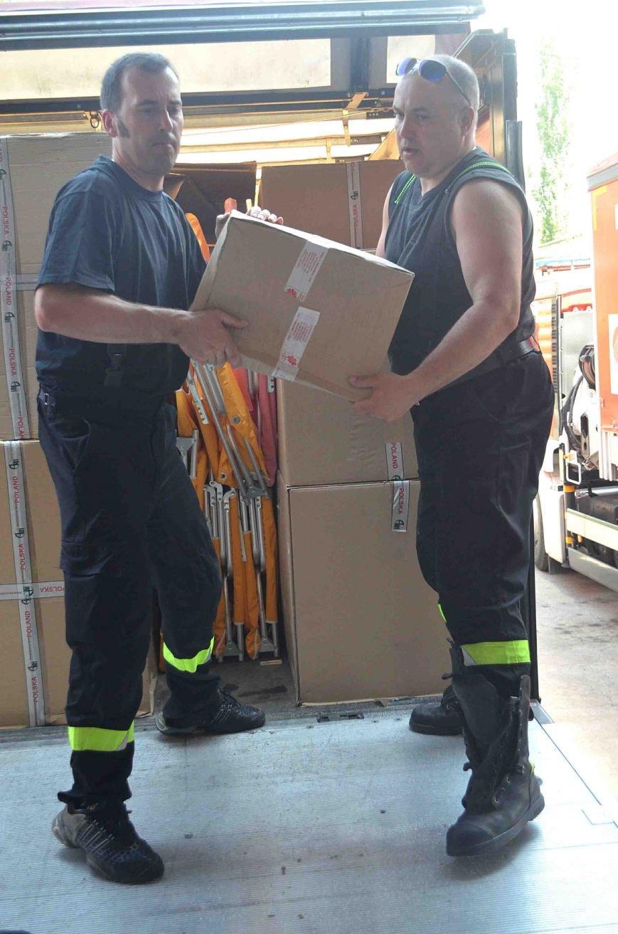 В Запорожье доставили сотни тонн гуманитарного груза из Европы (ФОТОРЕПОРТАЖ), фото-6