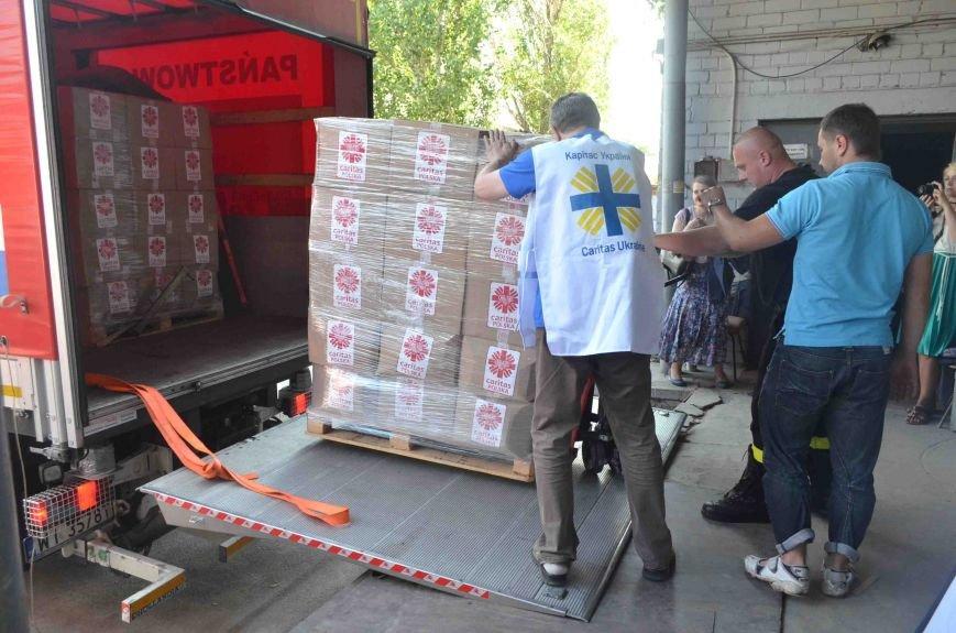 В Запорожье доставили сотни тонн гуманитарного груза из Европы (ФОТОРЕПОРТАЖ), фото-4