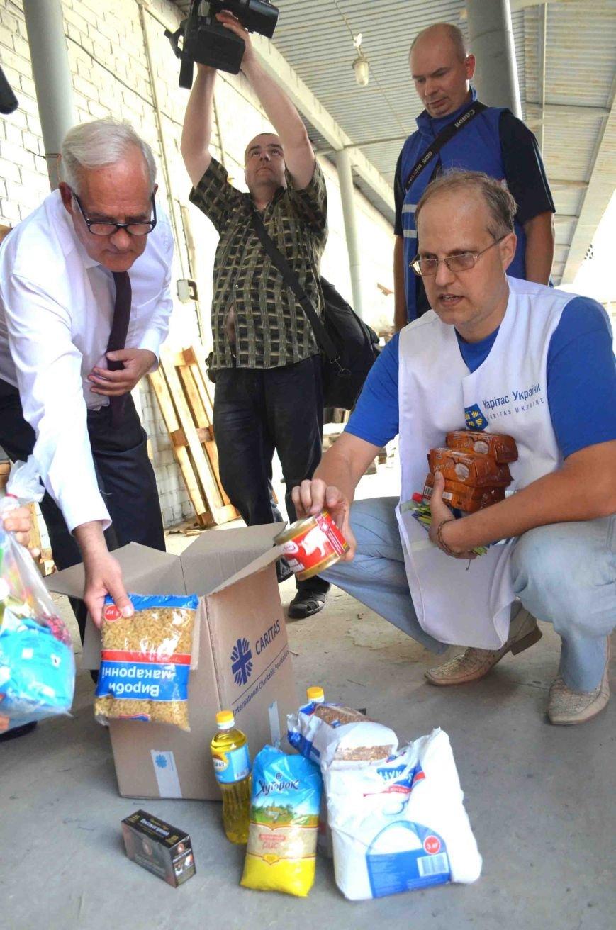 В Запорожье доставили сотни тонн гуманитарного груза из Европы (ФОТОРЕПОРТАЖ), фото-12