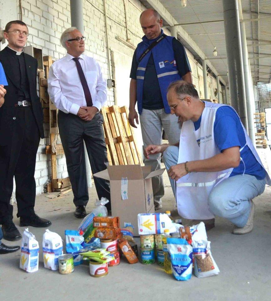В Запорожье доставили сотни тонн гуманитарного груза из Европы (ФОТОРЕПОРТАЖ), фото-13