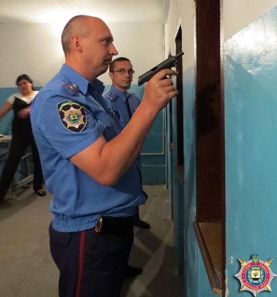 День участкового инспектора милиции: «шерифы» Красноармейска на страже законности и правопорядка (фото) - фото 3
